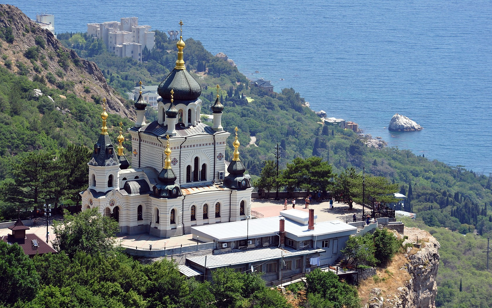 image-wallpaper-1680-1050-Crimea-the-Foros-church-Crimean-N7153046