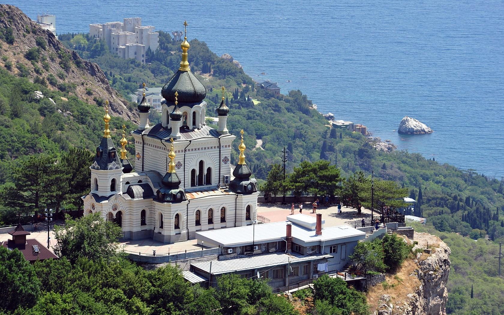 image-wallpaper-1680-1050-Crimea-the-Foros-church-Crimean-N7153046