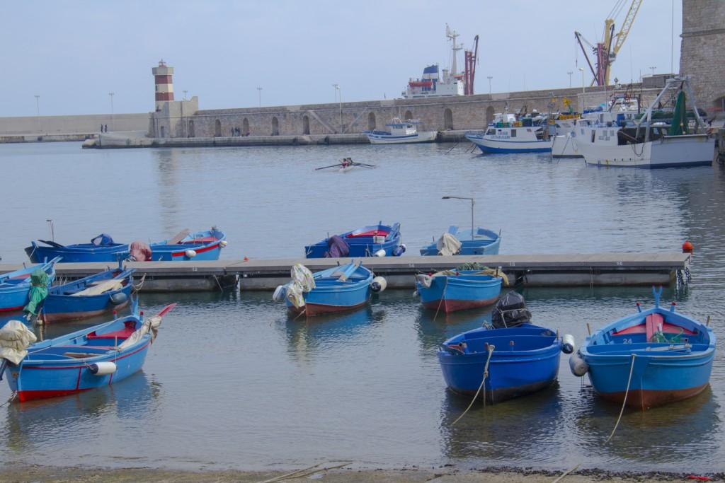 The-old-port-of-Monopoli-in-Puglia-Italy